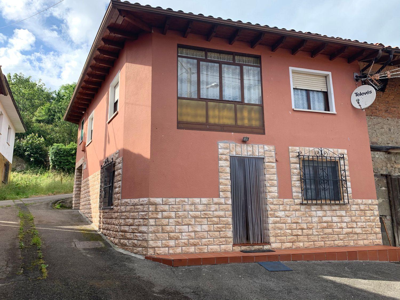Chalet en Venta en Calle Los carriles, Área de Llanes, Asturias  REF:90057577
