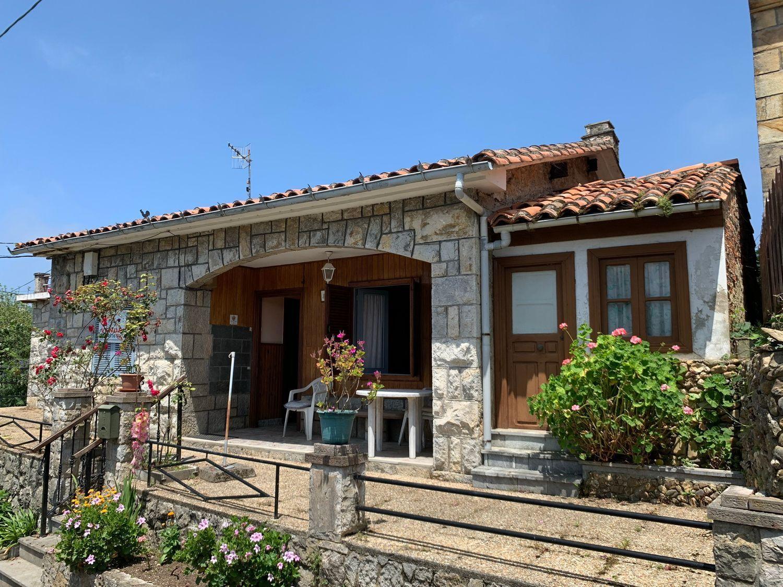 Chalet en Venta en Calle La Franca, Ribadedeva, Asturias  REF:94562600